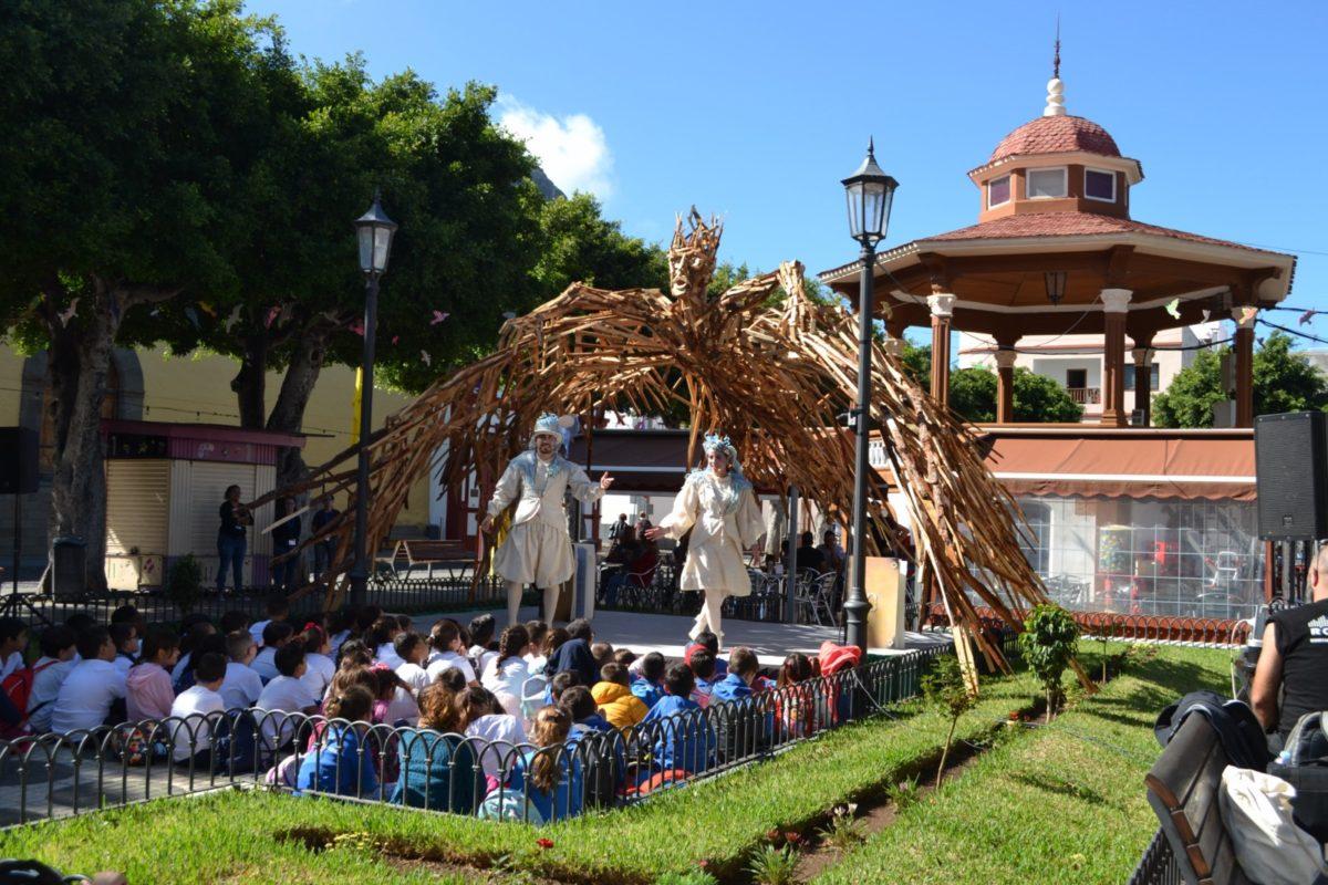 El Festival Internacional del Cuento de Los Silos recibe 4.800 escolares durante 15 días